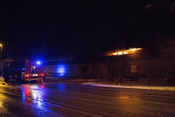 Brand i industribygning på Buttervej