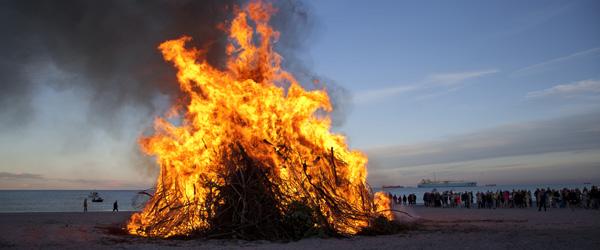 Regler og gode råd om afbrænding af Sankt Hans bålet | SkagensAvis.dk - lokale nyheder fra Skagen