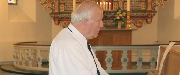 Willy Egmose jazzer på orglet i Skagen kirke