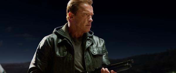 Arnold kigger forbi