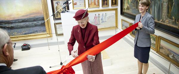 Dronningen klippede silkebåndet over OPD.