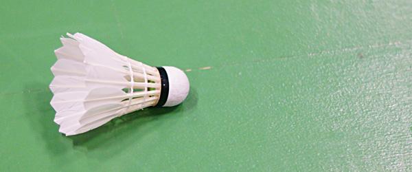Badmintonpiger med slag i