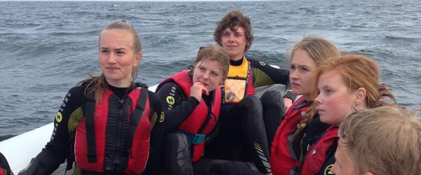 Nordjyske unge dykkede med hajer på hæsblæsende BaseCamp
