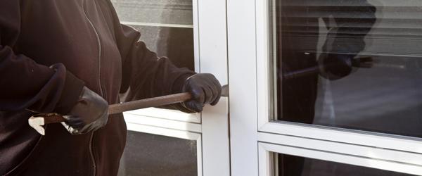 Nu går tyven på arbejde: Skræm ham væk med julelys