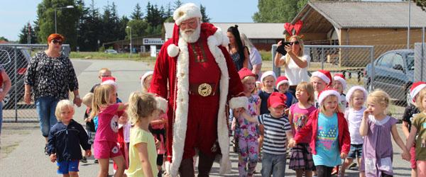 Julemanden og børnene hyldede årets julesild