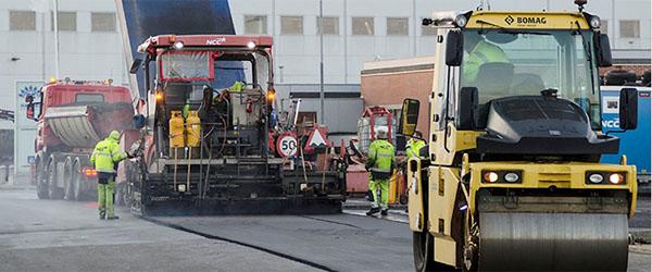 Udlægning af nyt slidlag på Skagen Havn
