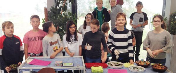 Soroptimister og 6. klasser samarbejder om skolemadsprojekt