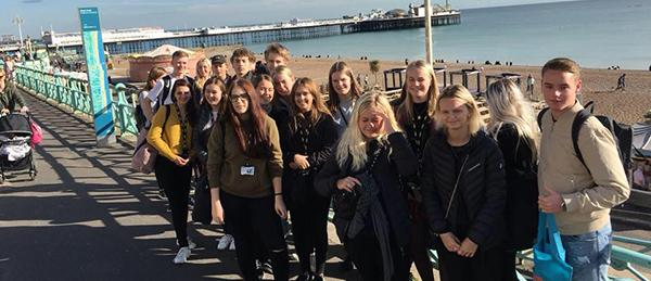 Handelsskoleelever på udviklingstur til Brighton