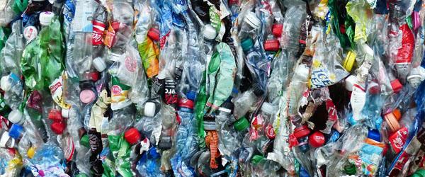 Slut med forskellig indsamling af plastaffald