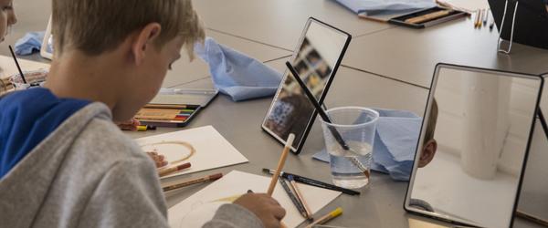 Børn laver deres egen kunst på Skagens Museum
