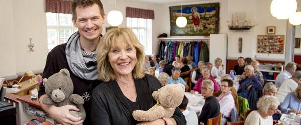 Susse Wold besøgte sine bamser i Skagen