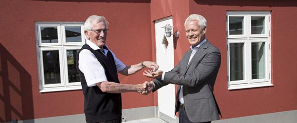 Trigon Fonden donerer feriehus til Kræftens Bekæmpelse