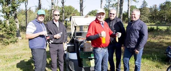 Den lokale revisor inviterede på golf