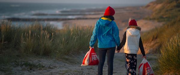 Nyt tiltag fjerner tonsvis af havfald fra strandene