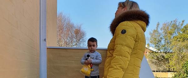 Børnene fik påskehilsen fra personalet