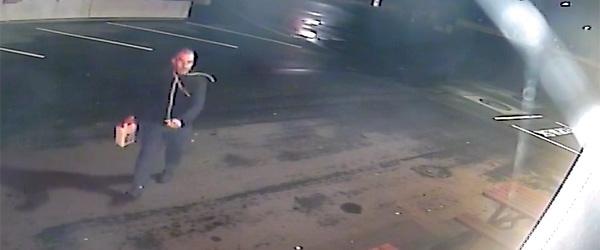 Efterlyst for brandstiftelse: Har du set denne mand?