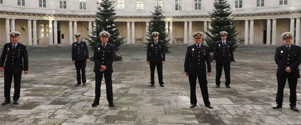 Video: Se politiets skønne sang om corona