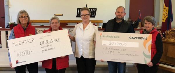Lions donerer stort pengebeløb til Frelsens Hær