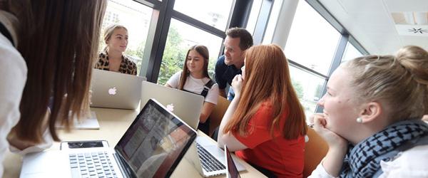 Frederikshavn Handelsskole holder Åbent Hus…
