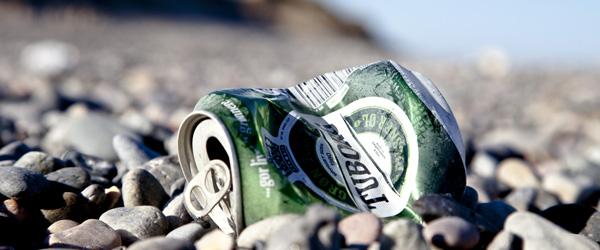 Saml affald på stranden og deltag i Kystlotteriet