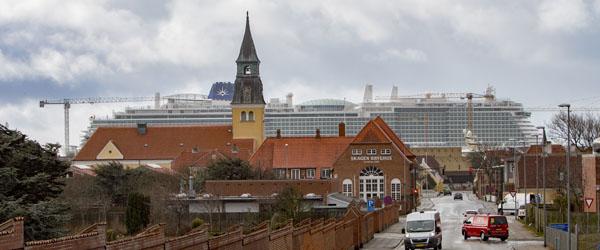 Et af verdens største krydstogtskibe er anløbet Skagen Havn