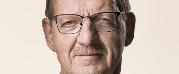 Bjarne Lausten besøger Ålbæk i morgen