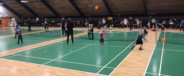 Kæmpe succes med badminton og pizza