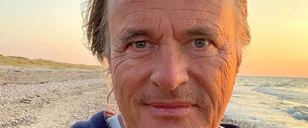 En forfatter og journalist er netop flyttet til Aalbæk